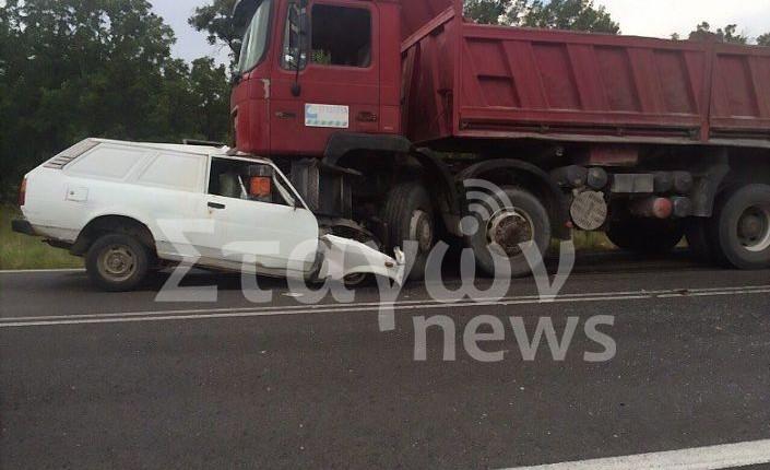 Τρομακτικο τροχαιο δυστυχημα στην Εθνικη Οδο Κορινθου – Πατρων οχημα συγκρουστηκε μετωπικα με νταλικα (ΦΩΤΟ ΒΙΝΤΕΑΚΙ)
