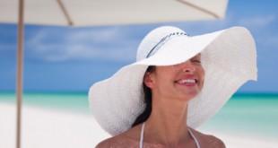 woman-on-beach-sun-protection