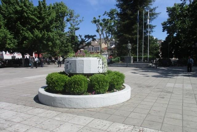 Ανάστατοι οι καταστηματάρχες της κεντρικής πλατείας των Τρικάλων για τους νέους σχεδιασμούς της δημοτικής αρχής