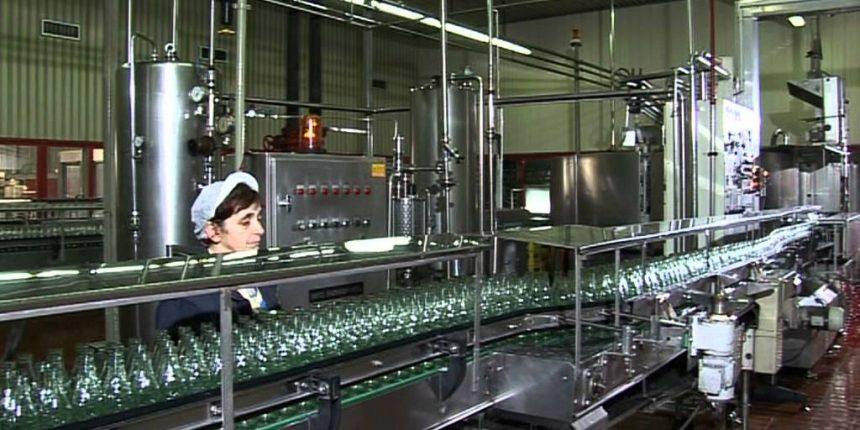 """Στρατηγικής σημασίας συνεργασία μεταξύ Green Cola και της Τρικαλινής """"Κλιάφα"""""""